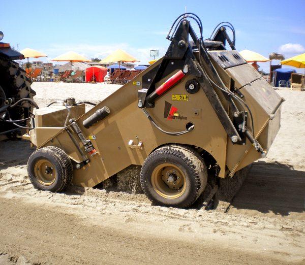 Trailed beach cleaning machine CHERRINGTON 440 XL
