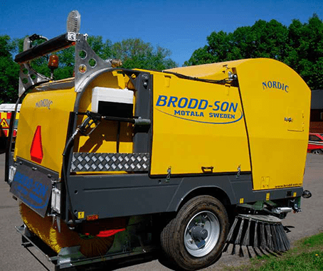 Trailed sweeper machine Broddson Nordic