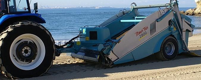 Прицепная пляжеуборочная машина BeachTech BT2800