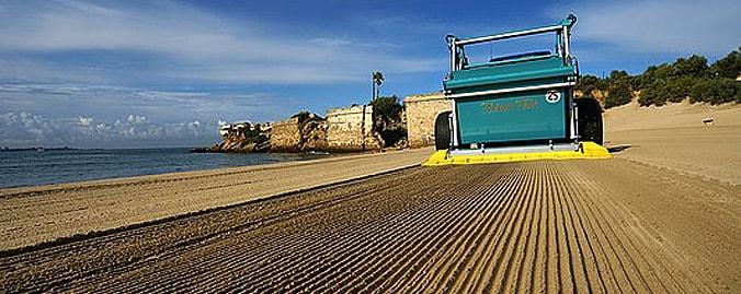 Прицепная пляжеуборочная машина BeachTech BT2000