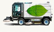 {:ru}Подметально-уборочная машина Biostrada TEC 5.2{:}{:en}All-season self-propelled vacuum-mechanical sweeper machine BioStrada TEC5.2{:}